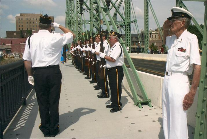 Memorial_Day_2011__The_Bridge.jpg